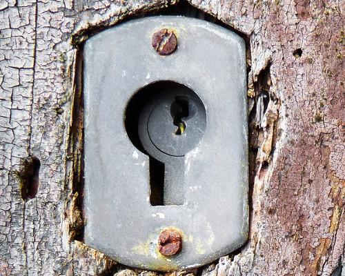 ¿Qué hacer con las cerraduras oxidadas?